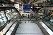 Rolltreppe im Bahnhof Luzern. (Bild Chris Iseli/Neue LZ)