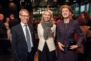 Gestern im KKL: Bundesrat Didier Burkhalter und seine Frau Friedrun (rechts) mit der Botschafterin von Liechtenstein, Doris Frick. (Bilder Aura/Emanuel Ammon)