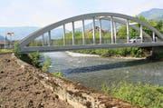 Diese Brücke führt bereits über die Muota - bis 2020 soll es eine weitere geben. (Bild: Archiv / Neue LZ / Irene Infanger)