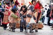 Ob mit Kinderwagen, Rentieren oder als Indianer: Die Kinder haben sich für das Chendermonschter ins Zeug gelegt und prächtige Sujets präsentiert. (Bilder Dominik Wunderli)