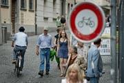 Zunehmends ein Problem: Velofahrer, die sich nicht korrekt verhalten. In der Stadt Luzern sieht man jedoch keinen Handlungsbedarf. (Bild: Pius Amrein / Neue LZ)