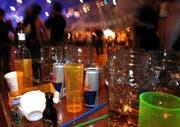 Die Party und ihre Nebenwirkungen. (Symbolbild Eveline Bachmann/Neue LZ)