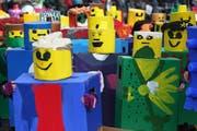 Die Klassen 3a, 3b, 3c und 3d mit dem Motto Lego. (Bild: Philipp Schmidli)