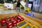 Der Schraubenhersteller Bossard hat im vergangenen Jahr ein Rekordergebnis erzielt. (Bild: Carina Blaser / Neue ZZ)