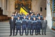Die neuen und beförderten Angehörigen der Kantonspolizei Uri. (Bild: PD)