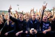 Heavy-Metal-Fansam 4. Juni bei «Allmend Rockt». (Bild Corinne Glanzmann)