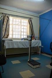 Ein Untersuchungsraum im Forschungszenter in Kombewa. (Bild: Yasmin Kunz (Kombewa, Kenia, 30. November 2017))