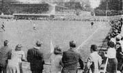 Am 15. August 1965 wurde das neue Stadion Tribschen eröffnet. Die «Luzerner Neusten Nachrichten» (LNN) zeigten dieses Foto vom Eröffnungsspiel des Heimklubs FC Kickers gegen den FC Emmenbrücke in ihrer Ausgabe vom 16. August. (Archivbild Neue LZ)