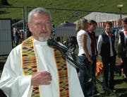 Pater Werner Arnold während eines Gottesdienstes in Unterschächen. (Bild pd)