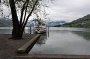 Der Sarnersee am Montagmorgen: Der See hat die kritische Marke noch nicht erreicht. (Bild Adrian Venetz)