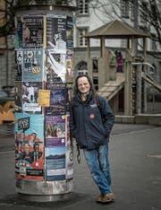 Der Spielturm war früher schon mal sein Schlafplatz: Fritz (49) im Vögeligärtli. (Bild: Pius Amrein (Luzern, 20. Dezember 2017))