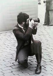Bruno Marty bei einem Einsatz am Fussballfeld. Immer mit dabei: seine Kamera. (Bilder PD)