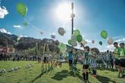 Symbolischer Beginn der Bauarbeiten fürs neue Stadion mit SCK Junioren. (Bild: Nadia Schärli / LZ (Kriens, 10. April 2017))