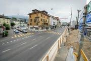 Diesen Abschnitt der Luzernerstrasse in Kriens will der Gemeinderat in eine Flaniermeile umgestalten. Hier finden zurzeit Bauarbeiten im Rahmen des Zentrumsprojekts statt. (Bild Dominik Wunderli)