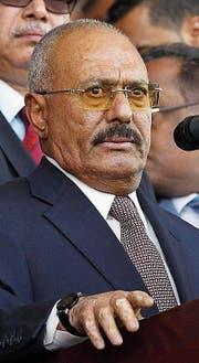 Ali Abdullah Saleh regierte den Jemen jahrelang autokratisch. (Bild: Y. Arhab/EPA (24. August 2017))