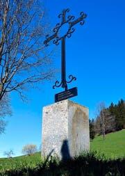 Das Bocholter Kreuz auf dem Walchwiler Berg hat Pfarrer Egon Schmitt als Zeichen seiner Dankbarkeit für die Walchwiler Gastfreundschaft aufstellen lassen. (Bild Andreas Faessler)