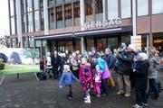 Gegen den Verkauf von Gemeindeland gibt es grundsätzliche Opposition. Im Bild wehren sich Demonstranten gegen den Verkauf der Herdschwand. (Bild: Roger Gruetter / Neue LZ)