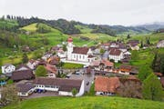In Luthern wohnen immer weniger Menschen – dank einer geplanten Überbauung soll sich das ändern. (Bild: Manuela Jans-Koch / Neue LZ)
