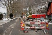 Baustelle auf der Kehrsitenstrasse, welche für 14 Millionen Franken saniert werden soll. (Bild: Corinne Glanzmann (Stansstad, 25. Januar 2017))