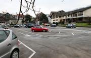 Beim Parkplatz Monséjour in Küssnacht soll ein Parkhaus entstehen. (Bild Laura Vercellone/Neue SZ)