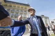 Der chinesische Investor Yunfeng Gao vor dem Hotel Europäischer Hof. (Bild: Keystone/Urs Flueeler)