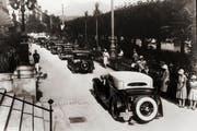 Internationale Schönheitskonkurrenz für Automobile im Jahr 1930 am Nationalquai in Luzern. (Bild: Stadtarchiv Luzern)