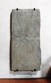 Gab und gibt noch immer einige Rätsel auf: die ehemalige Grabplatte der Veronika Letter-Uttinger in der Kirche St. Oswald.