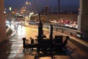 Die Unterführung wurde in Fahrtrichtung Barcarola gesperrt. (Bild: Geri Holdener / Bote der Urschweiz)
