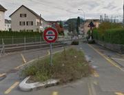 Dieser Bahnübergang an der Horwer-/Krienserstrasse könnte aufgehoben werden. (Bild: Google Maps)
