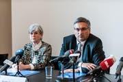 Die Regierungsräte Yvonne Schärli und Guido Graf an der Medienkonferenz vom Dienstag. (Bild: Roger Grütter / Neue LZ)