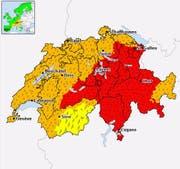Für weitere Teile der Zentralschweiz wurde die zweithöchste Warnstufe ausgerufen (Stand Donnerstag, 15 Uhr). (Bild Meteocentrale)