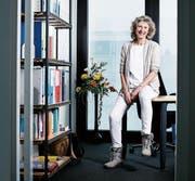 «Wir haben viel mehr selbst in der Hand, als wir eigentlich denken», ist Beatrice Schweingruber, hier in ihrem Büro an der Rigistrasse 3, überzeugt. (Bild: Stefan Kaiser (Zug, 15. Februar, 2017))