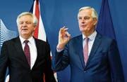 Der britische Brexit-Minister David Davis (links) und EU-Chefunterhändler Michel Barnier. (Bild: Olivier Hoslet/EPA (Brüssel, 19. März 2018))