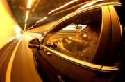 Massiv zu schnell: Mit 240 km/h durch den Rathausentunnel. (Symbolbild / Neue LZ)