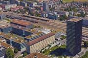 Das Areal des Zuger Güterbahnhofs. Rechts im Vordergrund der Park Tower. (Bild: Screenshot Google Maps)