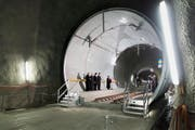 Die Segnung des Gotthard-Tunnels am Eröffnungstag im Zugangsstollen in Amsteg. (Bild: Keystone / Gaetan Bally)