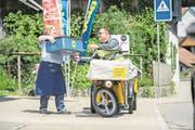 Nach der Pilotphase in 34 Gemeinden dehnt Volg den Heimlieferservice mit der Post auf die ländliche Deutschschweiz aus. (Bilder: PD)