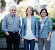 Claudio Meisser, Katja Schürmann und Judith Kneubühl (von links) setzen sich für das neue Energiegesetz ein, über das am 21. Mai an der Urne abgestimmt wird. (Bild: Stefan Kaiser (Zug, 13. April 2017))