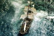 Rauer Seemannswind weht durch Howards Film, der den Menschen ganz klein werden lässt. (Bild: Warner Bros./PD)