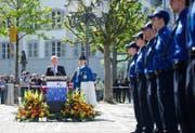 Regierungsrat Paul Winiker hat Polizisten heuer erstmals öffentlich vereidigt. Unser Bild zeigt die Zeremonie vom 21. April auf dem Jesuitenplatz in Luzern. (Bild Corinne Glanzmann)