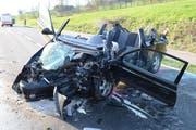 Völlig zerstört: Das Fahrzeug der Junglenkerin. (Bild: Luzerner Polizei)