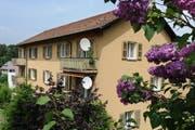 Blick auf ein ABL-Haus in der Maihofmatte. (Bild: Boris Bürgisser / Neue LZ)
