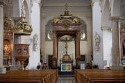 Blick in Richtung Altar der Pfarrkirche Eschenbach. (Bild: Corinne Glanzmann (16. Februar 2018))