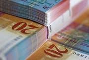 Die Gebergemeinden im Kanton Zug sollen weniger zahlen, die Nehmergemeinden bekommen mehr. (Bild: Keystone)