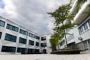 Als erstes sollen an der Uni Luzern verschiedene Nachdiplomstudiengänge für künftige Staatsanwälte und Verwaltungsangestellte im Bereich Strafuntersuchung und Strafverfolgung geschaffen werden. (Archivbild Eveline Beerkircher / Neue LZ)