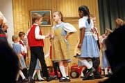 Die Kindergruppe erntete mit ihrem Auftritt viel Applaus. (Bild: Werner Schelbert)