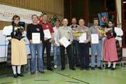 Auszeichnung für langjährige Verdienste in der Feuerwehr. (Bild: PD)