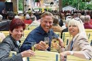 Kurt Zurfluh 2008 zusammen mit seiner Lebenspartnerin Barbara Schilliger (rechts) am Heirassa-Festival. (Bilder: Philipp Schmidli und Archiv LZ)