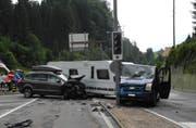 Die Unfallstelle bei der Lichtsignalanlage Rabennest in Einsiedeln. (Bild: Kantonspolizei Schwyz (Einsiedeln, 14. Juli 2017))