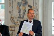 Bildungsdirektor Reto Wyss präsentiert die Argumente des Regierungsrates. (Bild: PD)